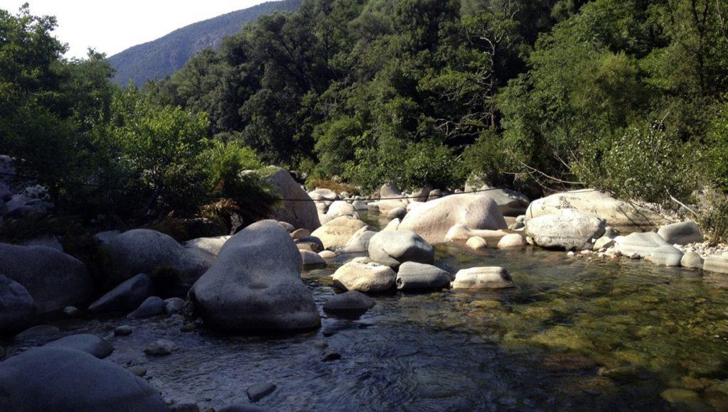 """Badestellen am Fluss unterhalb von """"Funtana a l'Ora"""". Bei über 30°C sehr zu empfehlen. ©HerrundFrauBayer"""