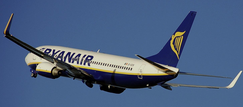 Boeing 737-800 der Ryanair. Bild ist gemeinfrei, aufgenommen von Adrian Pingstone.