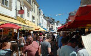 Unbedingt Sonntags den Markt in Le Guilvinec besuchen und reichlich Appetit mitbringen! ©HerrundFrauBayer